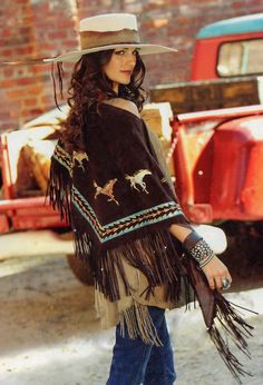 Luxurious sweep with this fringed shawl in espresso boar suede is artfully hand painted with Patricia Wolf's Maverick Mustangs. One size fit all. x plus the fringe Cowboy Girl, Cowgirl Style, Western Style, Cowgirl Bling, Estilo Country, Southwest Style, Southwestern Jewelry, Cowgirl Outfits, Lodge Decor