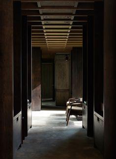 Kabine bei Longbranch von Olson Kundig in Washington, USA - Dekoration De Timber Cabin, Timber Roof, Interior Exterior, Interior Architecture, Interior Design, Interior Ideas, Luxury Interior, Interior Inspiration, Cabana