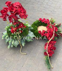 Pracownia florystyczna DecoWianka proponuje Państwu kompozycje kwiatowe wykonane z najwyższej jakości materiałów do złudzenia przypominaja żywe. Funeral, Christmas Wreaths, Holiday Decor, Plants, Home Decor, Flowers, Decoration Home, Room Decor, Plant