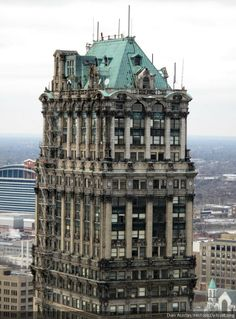 The Book Tower, as seen from the David Stott Building. Some called architect Louis Kamper a cake decorator because of all the stuff he crammed onto his buildings. Abandoned Detroit, Abandoned Houses, Abandoned Places, State Of Michigan, Detroit Michigan, Detroit Downtown, Detroit Skyline, Detroit History, Architecture Design