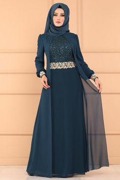 Hijab dresses evening gown dress evening fashion dresses and fashion most suitable in the price of the stylish designs at the new address I Selvi. Hijab Evening Dress, Hijab Dress Party, Evening Dresses, Hijabi Gowns, Estilo Abaya, Mode Abaya, Muslim Women Fashion, Latest African Fashion Dresses, Muslim Dress