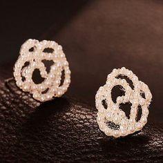 Accessories elegant cutout rose pearl stud earring