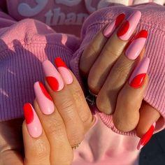 San Valentin Nails 2021 #nails #sanvalentin #love #manicura #manicure #hearts #art #amor Aycrlic Nails, Swag Nails, Hair And Nails, Nail Manicure, Red Tip Nails, Nail Polish, Nail Design Stiletto, Nail Design Glitter, Best Acrylic Nails