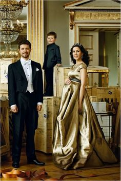 HRH Crown Prince Frederik,Crown Princess Mary & Prince Christian are featured in an editorial in theJanuary 2011 issue ofVogue (Deutschland) photographed byMarc Hom.Crown Princess Mary is wearing a gown by Talbot Runhof from their Spring 2011 collection.