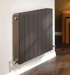hei wasser heizk rper aus metall originelles design vertikal blade by peter rankin. Black Bedroom Furniture Sets. Home Design Ideas