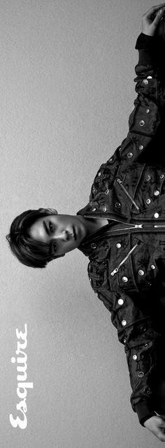 Thinking of TOP, as he joins the army. Daesung, Vip Bigbang, Big Bang Kpop, Bang Bang, Rapper, Top Choi Seung Hyun, G Dragon Top, Gd And Top, Hip Hop