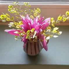 Zaliczyłam dziś jeszcze spacer nad Wisłokiem i przyniosłam do domu takie kolorowe skarby.#bukiet #kwiaty #jeszczelato #czyżbyjesień #zimowitjesienny #zimowity #tobołkipolne #tobołki #bouquet #flowers #summer #autumn ? #colchicum #colchicumautumnale #thlaspi #thlaspiarvense
