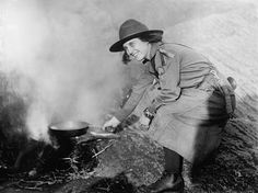 Girl scouts in action (1920) - Click Americana