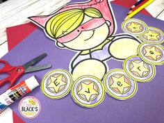 Do you have a superhero theme in your classroom? These activities make a wonderful display for classroom doors, hallways and bulletin boar. Preschool Kindergarten, Preschool Ideas, Craft Activities, Preschool Crafts, Get To Know You Activities, First Day Of School Activities, Superhero Bulletin Boards, First Grade Crafts, Name Practice