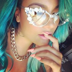 SO PRETTY!!!RAY BAN SUNGLASSES CAN'T MISS!!!