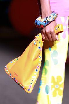 Moschino Resort 2017 Accessories Photos - Vogue