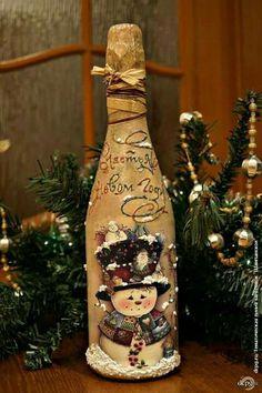 Handmade Home Decor Wine Bottle Art, Painted Wine Bottles, Diy Bottle, Wine Bottle Crafts, Jar Crafts, Christmas Decoupage, Christmas Crafts, Christmas Decorations, Decoration Ikea