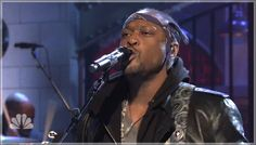 D'Angelo performing The Charade