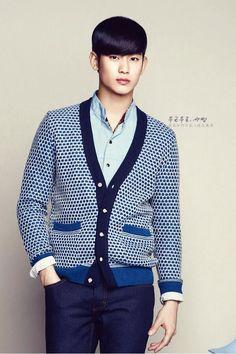 Kim soo hyun; not everone can wear a sweater cartigan
