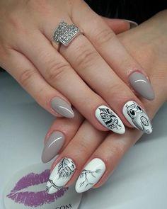 Ręcznie malowana #Sowa w wykonaniu Roksany<3 Ptak ten traktowany jest jako oznaka inteligencji, głos rozsądku i mądrości. :) SPN UV LaQ 511 Nude, 502 My wedding dress SPN Paint Gel Black Devil Nails by MALU MALU Roksana Miszewska <3 #nails #owlnails #owl #inspirations #inspiracje #nailart #nailsartdesign #greynails #whitenails #spnnails #paznokcie
