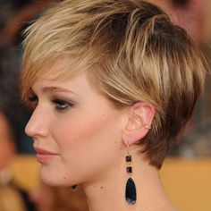 Today we have the most stylish 86 Cute Short Pixie Haircuts. We claim that you have never seen such elegant and eye-catching short hairstyles before. Pixie haircut, of course, offers a lot of options for the hair of the ladies'… Continue Reading → Bald Hairstyles For Women, Haircuts For Fine Hair, Hairstyles Haircuts, Cool Hairstyles, Hairstyle Short, Short Funky Hairstyles, Straight Hairstyles, Edgy Bob Haircuts, Short Pixie Haircuts