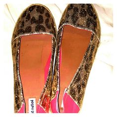Shimmery flats from Barefootess Shimmer your way into the holidays with these new glittery flats! Barefootess Shoes Flats & Loafers