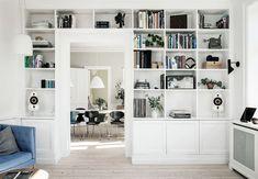 7 DIY's, som vil give dit hjem et cool twist Ikea 2015, Home Design, Interior Design, Nordic Interior, Kitchen Interior, Living Room Shelves, Built In Bookcase, Home And Living, Interior Inspiration