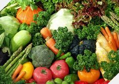 Add Nutrition To Your Diet With These Helpful Tips. There is a wealth of nutritional information waiting to make your acquaintance! Nutrition is full of many different types of foods, diets, supplements and Anti Angiogenic Foods, Diet Foods, Paleo Diet, Vegan Nutrition, Vegan Foods, Banting Diet, Holistic Nutrition, Nutrition Guide, Agriculture Bio