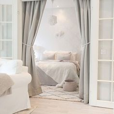 Guide to Bedroom Decor Awesome Bedrooms, Beautiful Bedrooms, Interior Design Living Room, Modern Interior, Home Bedroom, Bedroom Decor, Home Trends, Dream Decor, Decoration