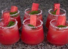 Watermelon mint margaritas Mint Margarita, Watermelon Margarita, Watermelon Mint, Margarita Recipes, Perfect Margarita, Watermelon Recipes, Refreshing Cocktails, Fun Drinks, Yummy Drinks