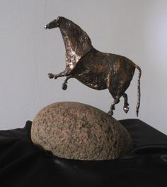 From Lascaux - Chinese horse - about 30 cm, bronze