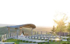 We made a list of the top 10 chic wedding venues in Ottawa. If you are looking for an elegant elite wedding venue. The best wedding venues in Ottawa. Wedding Venues Ottawa, Rustic Wedding Venues, Inexpensive Wedding Venues, Best Wedding Venues, Event Venues, Wedding Destinations, Wedding Ideas, Wedding Music, Chic Wedding