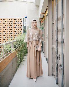 Inspirasi outfit kondangan – N&D<br> Dress Brokat Muslim, Dress Brokat Modern, Kebaya Modern Dress, Dress Pesta, Muslim Dress, Kebaya Muslim, Dress Brukat, Hijab Dress Party, Hijab Gown