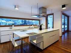 Image 1 of 13 from gallery of Horizontal Space House / Damilano Studio Architects. Photograph by Andrea Martiradonna Küchen Design, House Design, Kitchen Dining, Kitchen Decor, Kitchen Ideas, Space Kitchen, Design Kitchen, Kitchen Island, Kitchen Cabinets