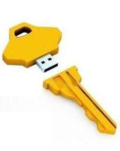Não é necessariamente uma chave, mas este pen drive possui o formato da mesma. Simples e elegante para se levar na bolsa.