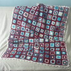 Narzuta patchwork szydełkowa (proj. Mada), do kupienia w DecoBazaar.com