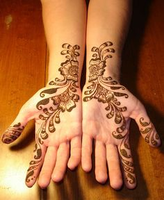 Henna tattoos are non-permanent dying or staining on the top layer of skin using a henna paste product, the process is called Mehndi. Many person ask if Henna Tattoo are safe for teens.If your teen wants a henna ta Beginner Henna Designs, Henna Designs Easy, Henna Tattoo Designs, Mehandi Designs, Tattoo Ideas, Simple Henna Tattoo, Henna Tattoo Hand, Henna Tattoos, Palm Tattoos