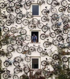 As part of a clever advertising stunt, a German bike shop hangs its inventory on its façade, letting passersby know that there's a new bike shop in town—and creating a striking, sculptural installation. #marketing