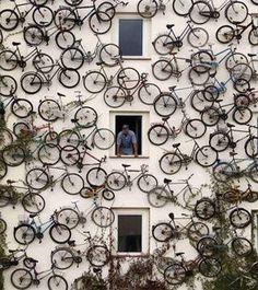 goede manier om een verzameling fietsen tot zijn recht te laten komen...