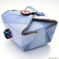 Fabric Box, Blue Denim Jean Recycled Upcycled via Etsy. Denim And Co, Blue Denim, Redone Denim, Amo Jeans, Jeans Fabric, Denim Ideas, Fabric Boxes, Denim Crafts, Recycled Denim
