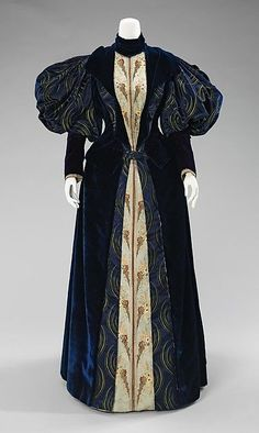 1895, France - Silk dress by Laboudt & Robina