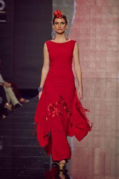 #traje de noche rojo bordado en rojo. Presentado por Lina en #Simof201 en #Sevilla