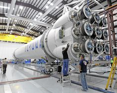 SpaceX Launch Targeted for May 19 - keeping fingers crossed! Spacex Rocket, Nasa Rocket, Spacex Falcon 9, Spacex Launch, Falcon Heavy, Aerospace Engineering, Air Space, Space And Astronomy, Space Time