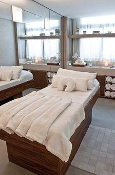 spas-urbanos-luxo-sao-paulo-alexandre-taleb (11) Spa Treatment Room, Spa Treatments, Beauty Salon Decor Treatment Rooms, Spa Interior, Beauty Salon Interior, Spa Rooms, Wellness Spa, Luxury Spa, Home Spa