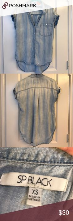 Chambray top Chambray top. Gently used. Very cute with white jeans and wedges! Originally purchased from Nordstrom's. sp black Tops Blouses