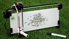 iBoardbots, un robot para imprimir mensajes - http://www.hwlibre.com/iboardbots-un-robot-para-imprimir-mensajes/