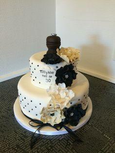 30 års fødselsdagskage med peberkværn og peberkorn  30th birthday cake