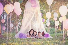 Use golf tees to stake balloons to the ground. What a gorgeous picture this would make! So doing this with my girls!