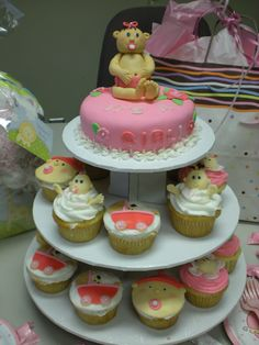 It's a Girl!!! Mini Baby Shower cake and cupcakes.