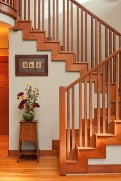 Tiny Cabin to Craftsman Bungalow - Design for the Arts & Crafts House Craftsman Staircase, Craftsman Decor, Craftsman Interior, Craftsman Style Homes, Craftsman Bungalows, Craftsman Houses, Craftsman Kitchen, Arts And Crafts Interiors, Arts And Crafts House