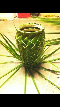 Palm Frond Art How To | Palm frond basket
