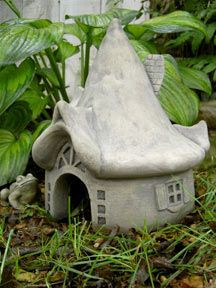 Make this kind of toad house as a fairy house out of air dry clay perhaps....