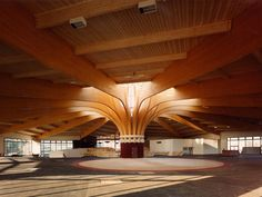 Integrated structural system in timber Struttura in legno lamellare by Simonin