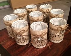 Barattoli di latta / portapenne Burlap Mason Jars, Mason Jar Crafts, Mason Jar Diy, Bottle Crafts, Tin Can Crafts, Crafts To Make And Sell, Diy And Crafts, Decoupage Jars, Decoupage Vintage