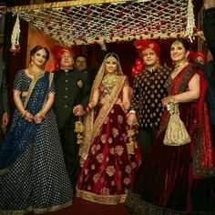 When the entire DHAWAN family is in love with creation. The lovely Mother Bhabhi and Bride in our favourite Desi Wedding Decor, Wedding Mandap, Wedding Girl, Indian Wedding Decorations, Wedding Bride, Wedding Things, Dream Wedding, Indian Wedding Photos, Indian Wedding Photography